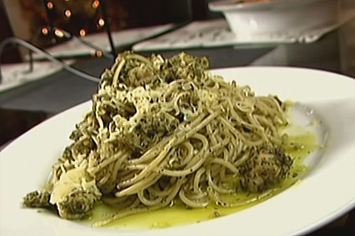 Recipe: Jed Madela's Chicken Pesto Pasta