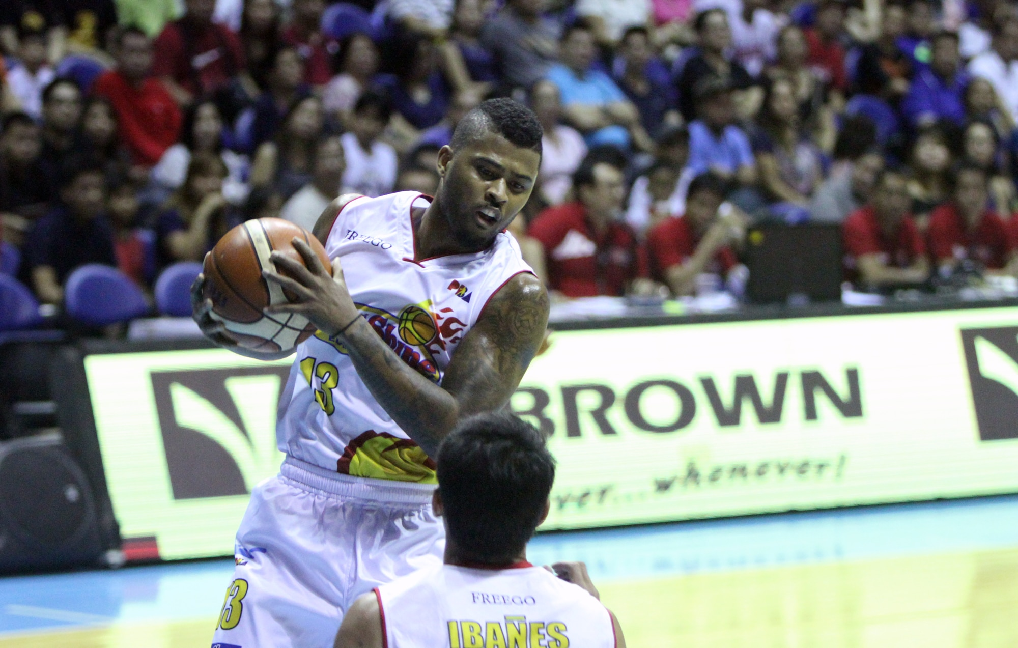 Rain or Shine downs Ginebra to earn share of lead