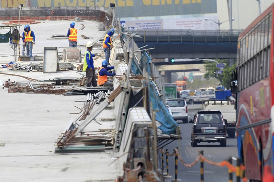 Duterte gov't eyes 'iconic' infra projects: Diokno
