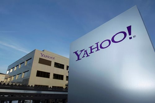 Yahoo notifies users of sophisticated hacking