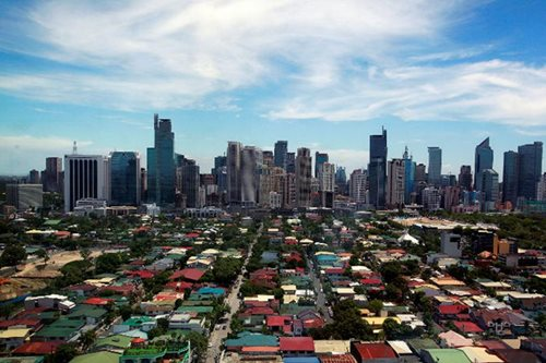 PH economy grows 6.5% in Q2, beating expectations