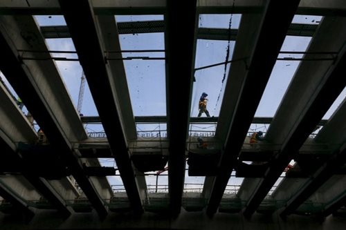 Credit Suisse lowers PH growth forecast to 6.0 percent citing 'weak' labor market