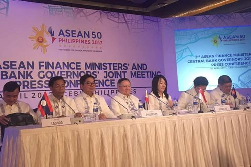 ASEAN growth seen picking up, Tetangco says