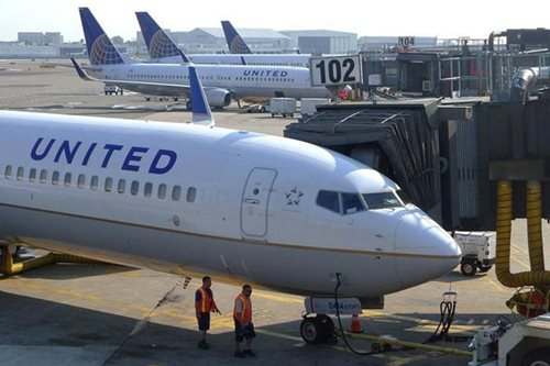 United Airlines removes engaged couple traveling to wedding from plane