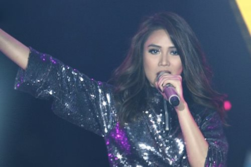 WATCH: Sarah G opens 'ASAP' with 'Light It Up'