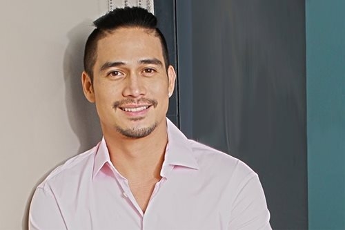 Piolo marks 40th birthday with Sarah, Toni, Ogie