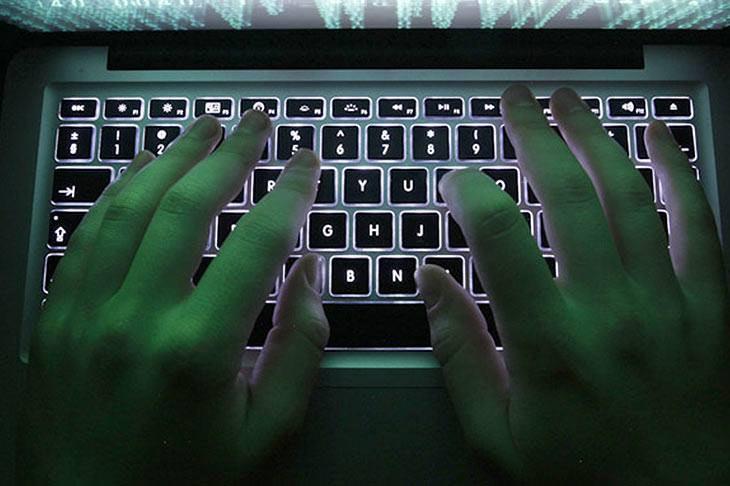 Panuntunan para sa gov't employees sa paggamit ng social media, inilabas na