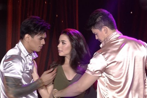 Yassi, Rayver, Zeus, Maja dance to 'Versace on the Floor'