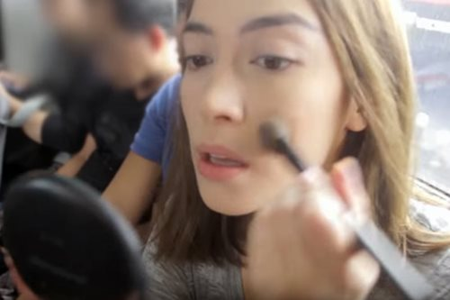 WATCH: This is how you do makeup in the MRT