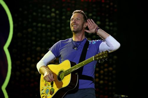 Coldplay concert, star-studded