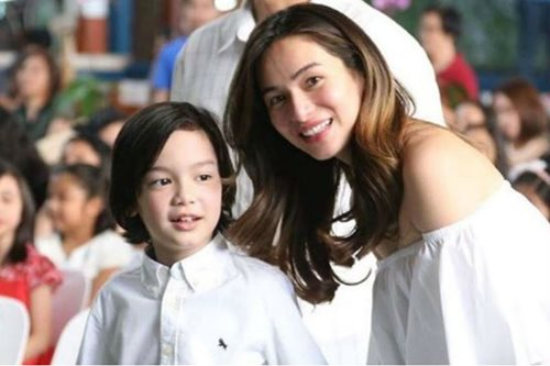 LOOK: Jennylyn Mercado attends son's recognition day