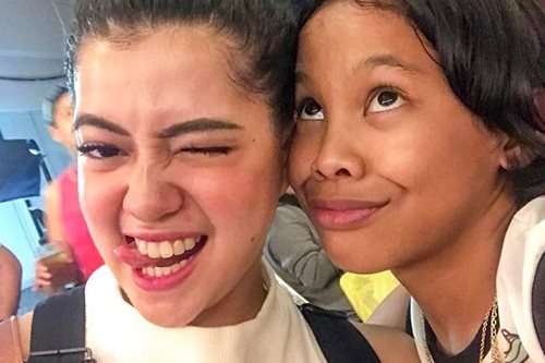 LOOK: Awra gets kiss from Sue Ramirez