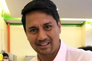 This is what Richard Gomez did while wife Lucy was away