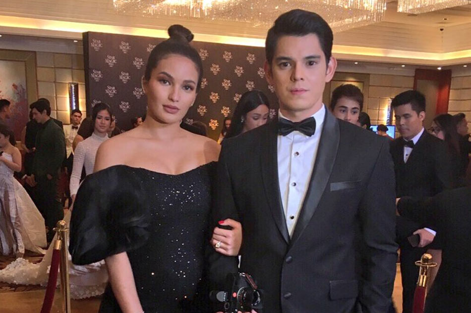 Pregnant Sarah Lahbati attends first Star Magic Ball with