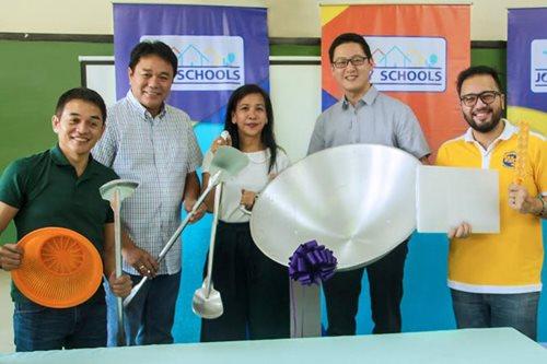 How Mondelez helps combat malnutrition among Filipino students