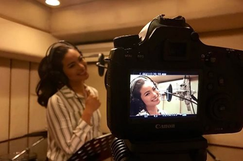 Maxine Medina in recording studio, leaves fans curious