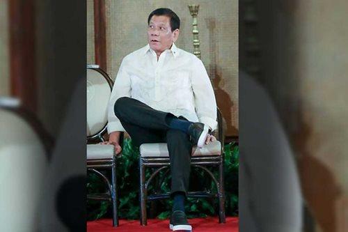 LOOK: Duterte dons pineapple fiber shoes