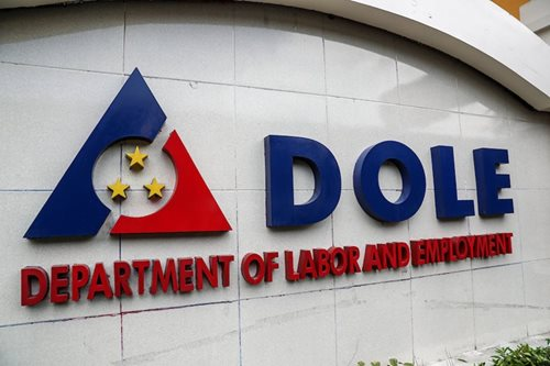 Only DOLE should issue special working permits: Villanueva