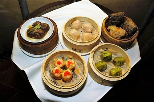 Shang Palace dares to offer dim sum for dinner