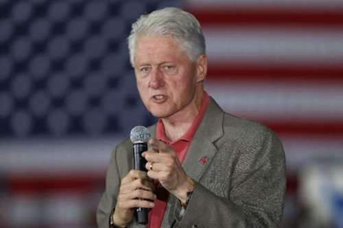 Bill Clinton co-writes White House thriller