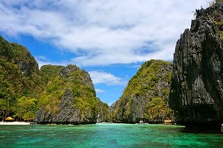 2 Japanese tourists, boatman still missing in Palawan