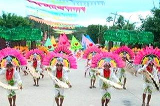 PANOORIN: Iba't ibang gimik, patok sa mga pistang Pinoy