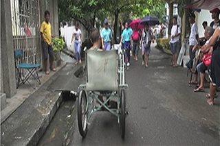 'Wheelchair bike', gamit ng isang PWD sa hanapbuhay