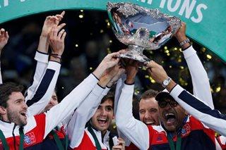 Pouille wraps up 10th Davis Cup title for France