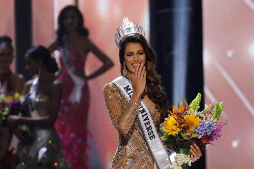 Miss Universe 2016 Iris Mittenaere, nais bumalik sa Pilipinas dahil sa mangga