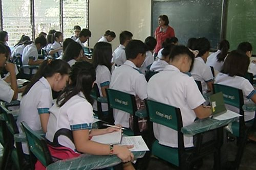 Panukalang mas malalim na sex education sa high school, tatalakayin