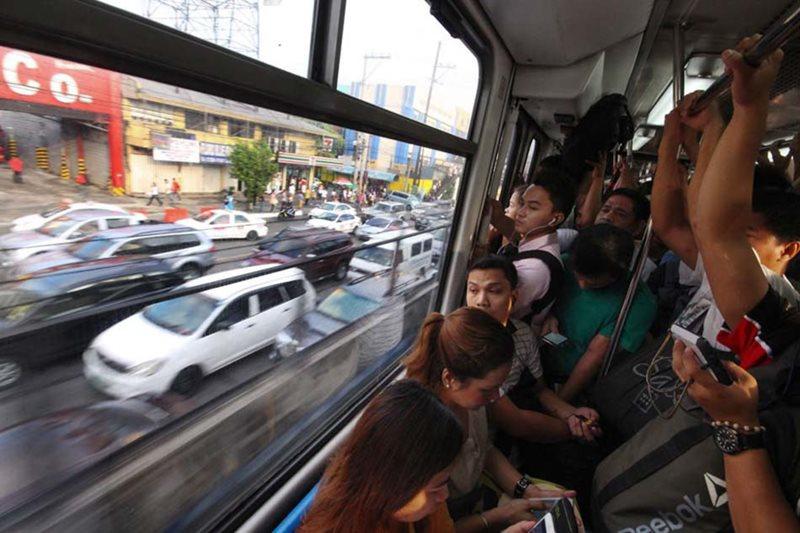 'Suspending MRT bad for economy, traffic'