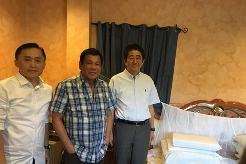 Abe visits Duterte's home in Davao