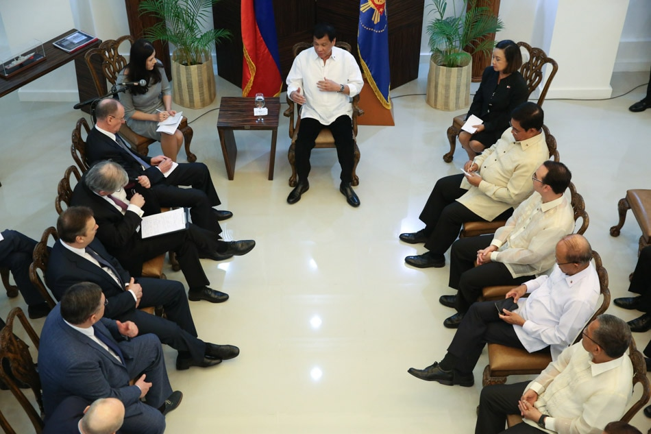 Duterte meets with Russians