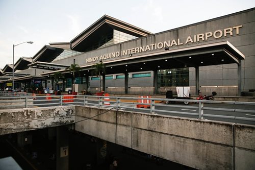 Manila airport sets asphalt works to beat pothole problem