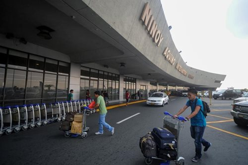 Malaysian boy falls from NAIA railing, suffers fracture