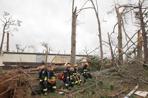 Georgia tornado kills 20