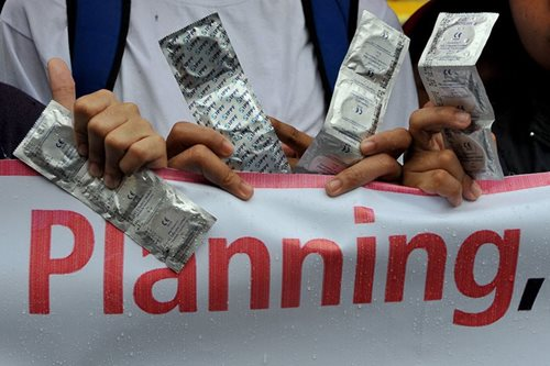 DepEd rejects school condoms