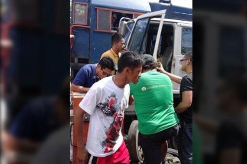DPWH trak at PNR tren, nagsalpukan sa Maynila