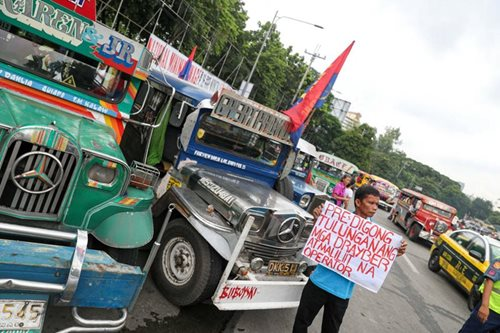 Transport strike ng PISTON sa Lunes, tuloy