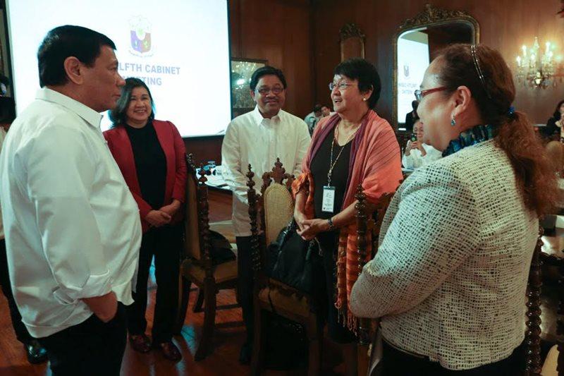 'Gamitan lang': Duterte says he used Reds