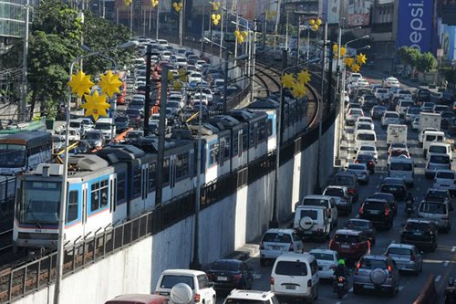 MMDA sets maximum EDSA speed limit to 50 kph