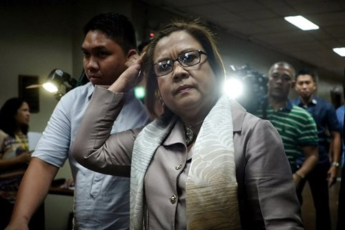 De Lima: SolGen move on Napoles case 'suspicious'
