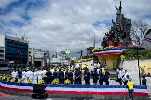 Palace wants to 'move on', opts for 'quiet' People Power anniversary