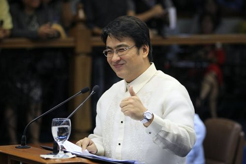 Bank exec witness 'flip flops' during Revilla plunder trial