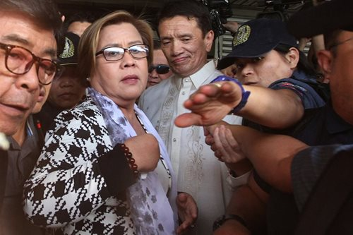 De Lima, nakakulong na sa PNP Custodial Center
