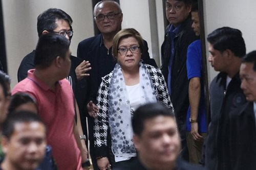 De Lima camp questions arrest order before Supreme Court