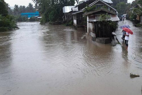Non-stop rains cause floods in Basilan