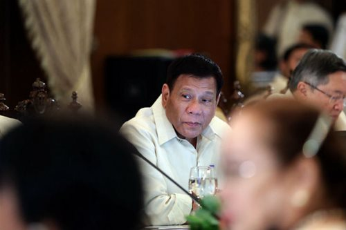 Who do you want to die? Duterte offers choice