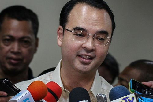 DFA Sec. Cayetano, lusot sa Commission on Appointments