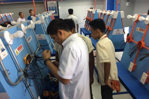 Company donates electrical laboratory to 5 Davao City schools